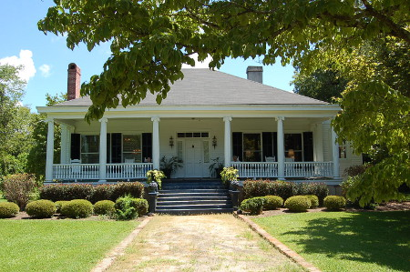 southern-colonial-home